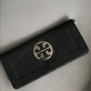 Tory Burch Flat Clutch/Oversized Wallet